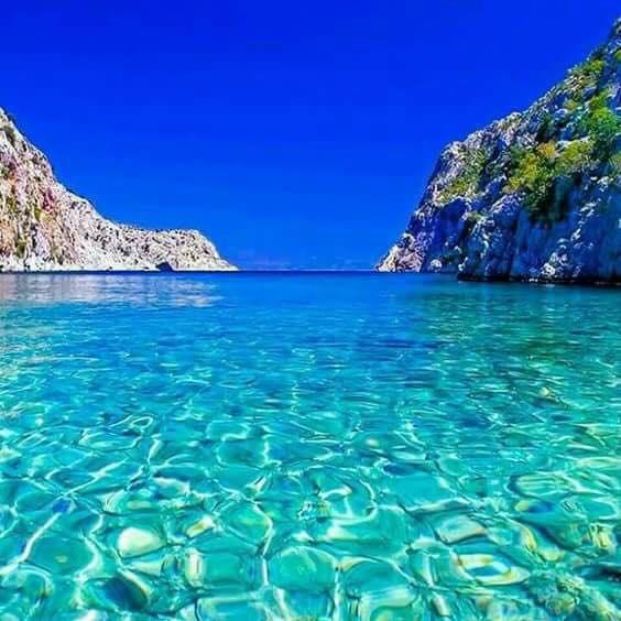 크리스탈 맑은 물.jpg