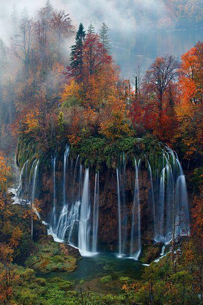 크로와티아의 프리미체 국립공원내의 폭포~.jpg