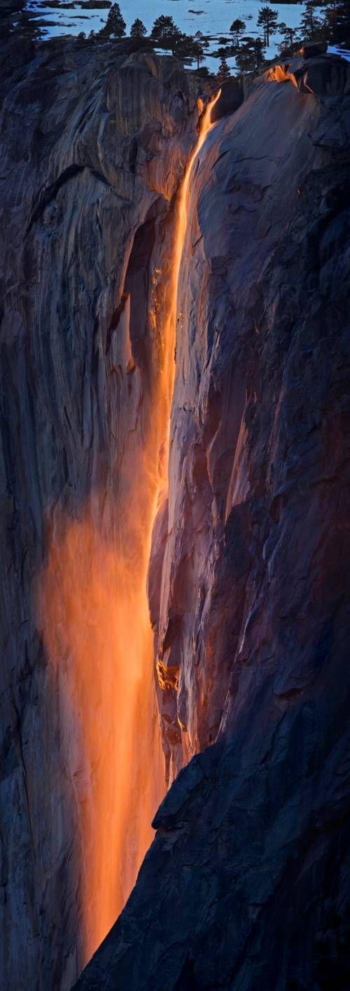미서부 요새미티 국립공원의 용암폭포~.jpg