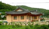 하얀집, 명천민박